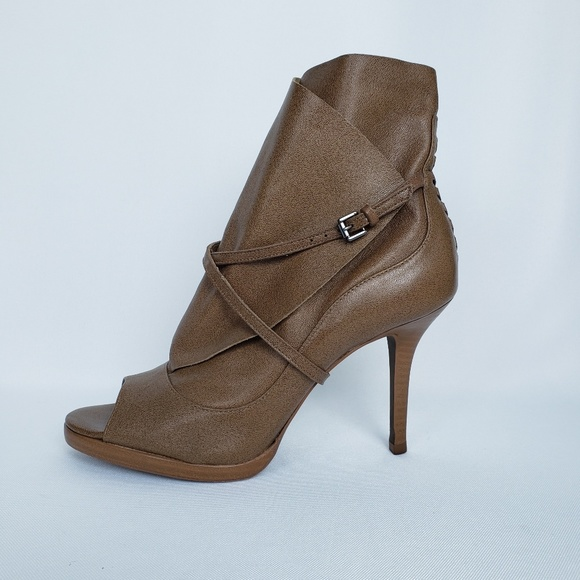BCBGMaxAzria Shoes - Max Azria Lara 2 Leather Ankle Boot, Size 8
